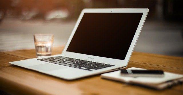用貸款購買MacBook Pro賺錢並償還貸款不致破產